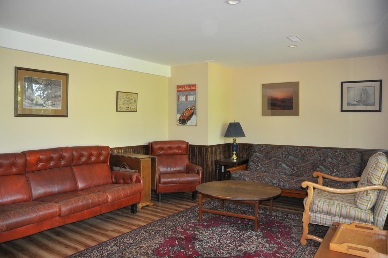 Cottage #123 for Rent on Waseosa Lake near Huntsville in
