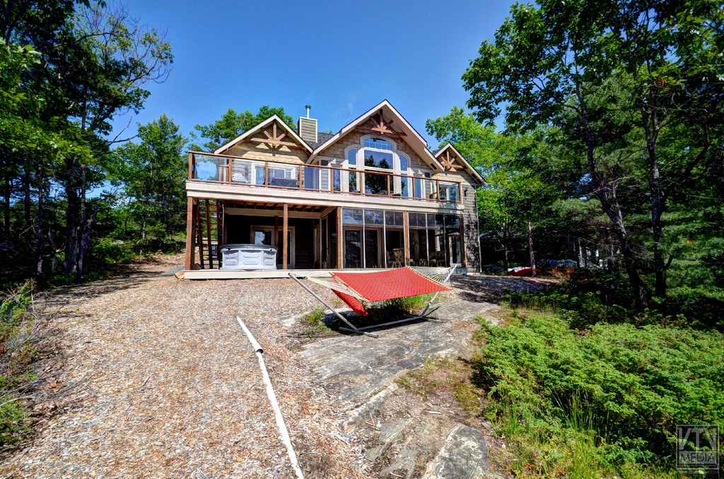 Cool Luxury Muskoka Cottage For Rent On Loon Lake Near Download Free Architecture Designs Scobabritishbridgeorg