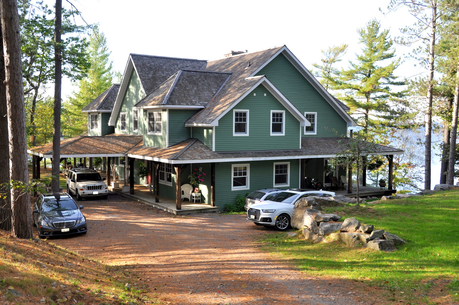 Enjoyable Luxury Muskoka Cottage For Rent On Lake Muskoka Near Download Free Architecture Designs Scobabritishbridgeorg