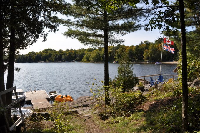 cottage  435 for rent on isabella lake near parry sound in