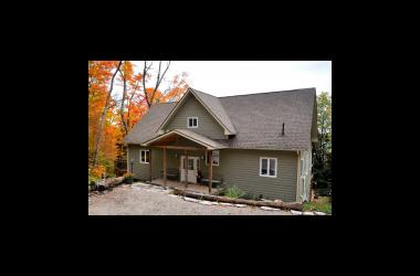 Outstanding Cottage Rentals In Ontario Rent A Cottage With Waters Edge Home Interior And Landscaping Ferensignezvosmurscom