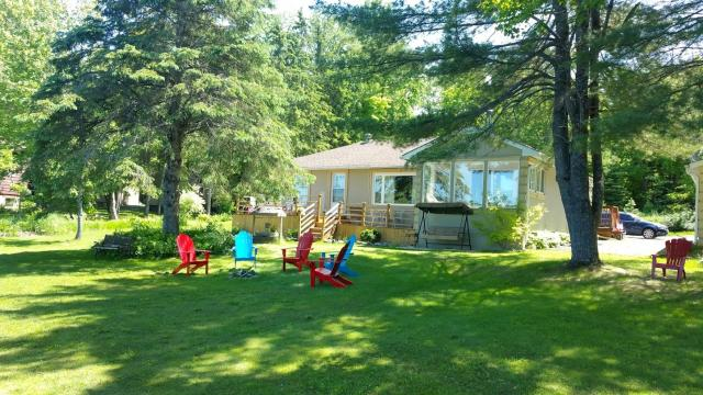 Admirable Cottage 235 For Rent On Doe Lake Near Gravenhurst In Download Free Architecture Designs Scobabritishbridgeorg