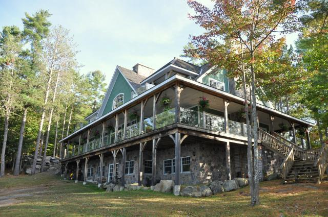 Cool Luxury Muskoka Cottage For Rent On Lake Muskoka Near Download Free Architecture Designs Scobabritishbridgeorg