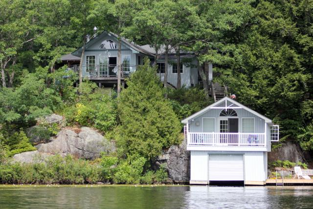 cottage 702 for rent on otter lake near parry sound in district of rh cottagevacations com