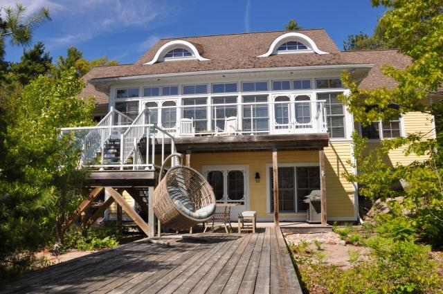 Magnificent Luxury Georgian Bay Cottage For Rent On Georgian Bay Near Download Free Architecture Designs Xaembritishbridgeorg