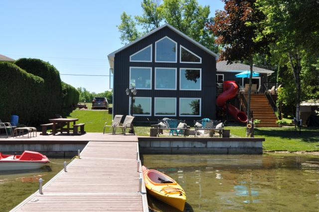 cottage 903 for rent on lake couchiching near orillia in county of rh cottagevacations com