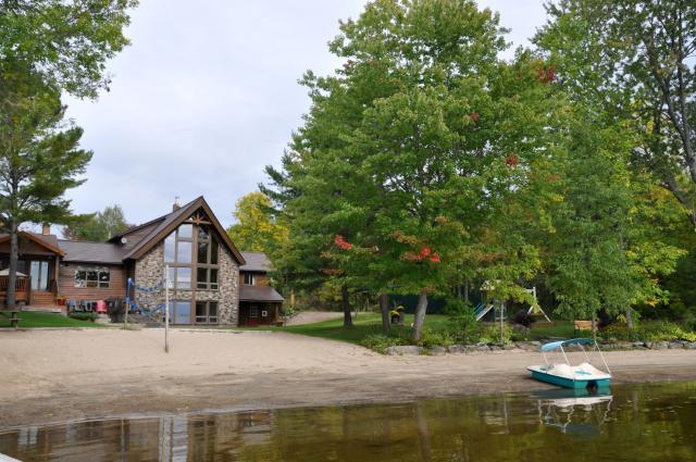 luxury muskoka cottage for rent on morrison lake near gravenhurst rh cottagevacations com